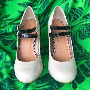 NWOT. Chunky 4 1/2 inch heels.